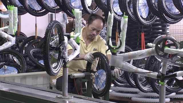 实拍浙江儿童单车厂:12秒装1辆,急招200临时工,订单到十月