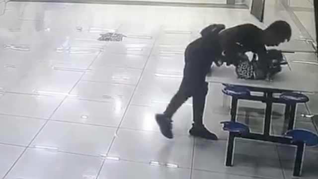 夫妻吵架将1岁半儿子扔在商场,丢了3天都认为对方在看管