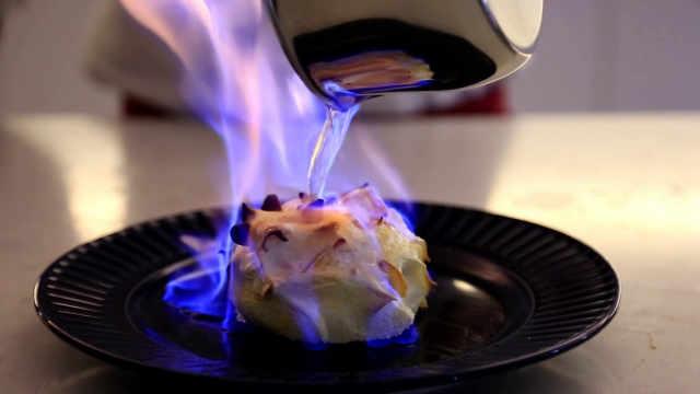 烤冰淇淋欧姆蛋:冰与火之歌
