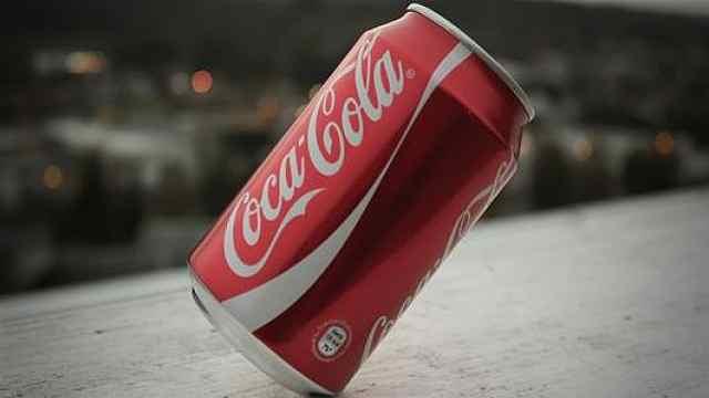 可口可乐暂停全球社交媒体广告:至少一个月,