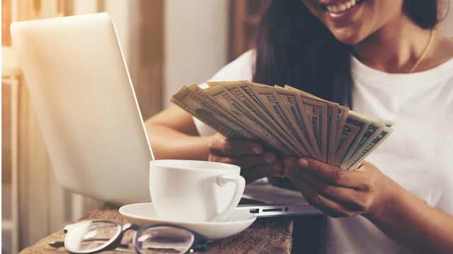 42年对4万美国人研究显示:金钱与幸福的关联度