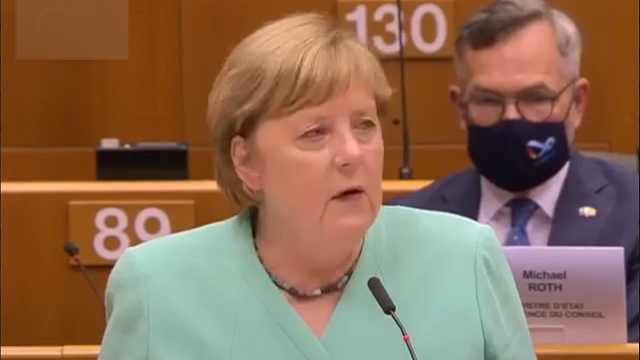 默克尔:新冠疫情暴露了民粹主义的局限