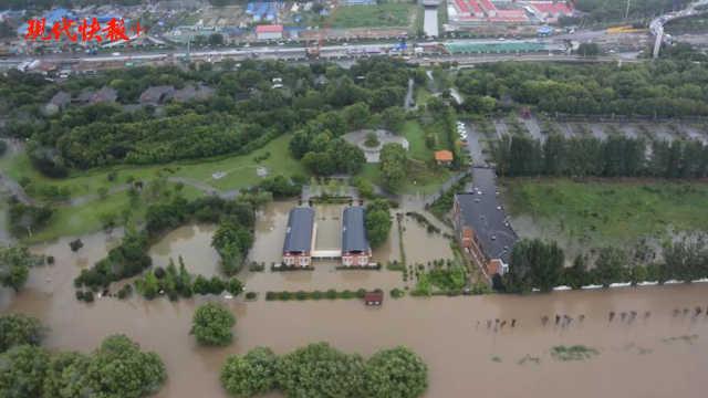 天空视角!汛期中的南京长江段