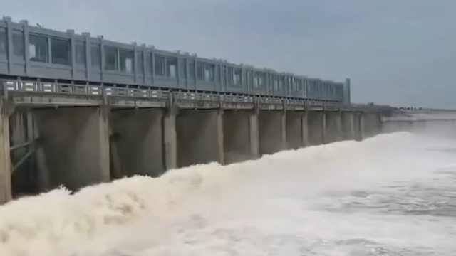 防汛直击丨淮河安徽段启用多个行蓄洪区蓄洪削峰