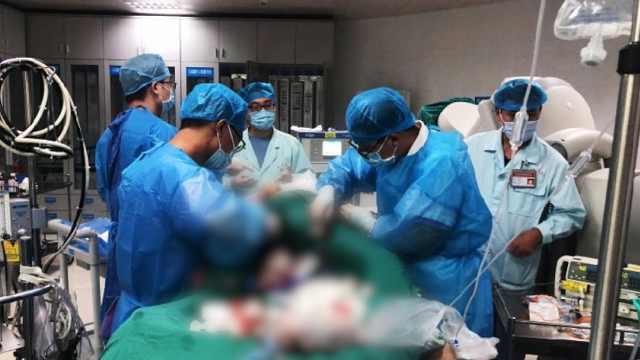 男子突发心梗心脏停跳2小时,数十名医护拼尽全力奇迹救活