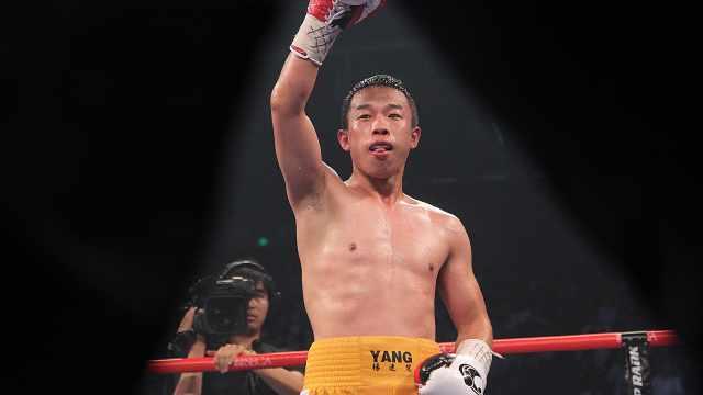 中国拳王在美国遭遇入室抢劫,徒手对白刃击退