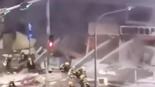深圳一饭店疑似煤气泄漏爆炸起火,幸无人伤亡