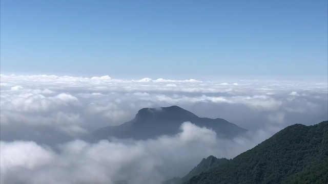 人间仙境!百花山风景区主峰现壮美云海