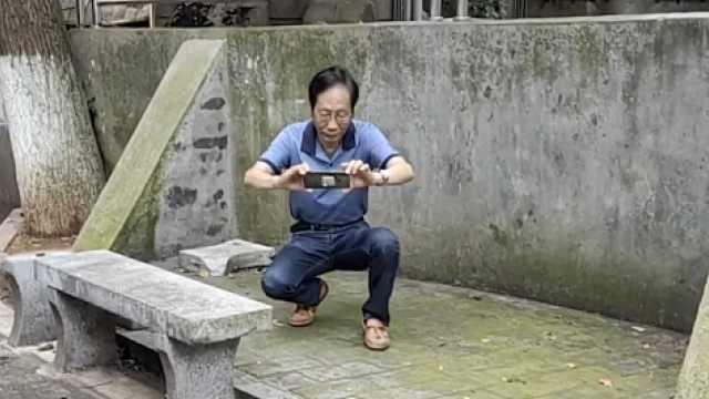 长沙挑刺大爷11年拍2000张不文明照片,对做得好的也表扬