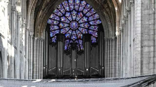 巴黎圣母院清理管风琴铅尘,逐个清洗8000根音管,调试需半年