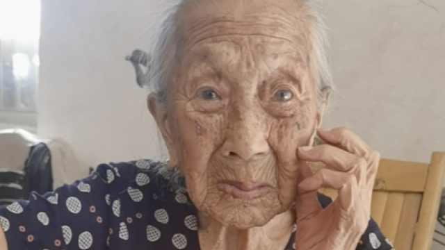 83岁儿子悉心照顾103岁母亲,冰箱装满肉:每天要吃二三两