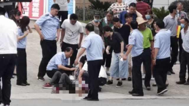 江苏一男子法院门口捅死离婚妻子,妻子姐姐也被捅伤