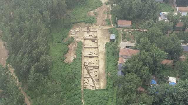 临沂发现6000年前北辛文化环壕聚落,部分遗址还被压在村庄下