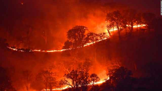 历史罕见!严重山火和极端高温双重袭击,美加