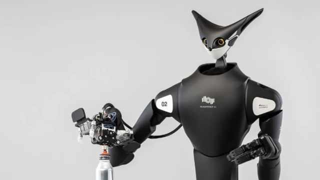 日本全家试用机器人代替店员,运用VR技术操控陈列商品
