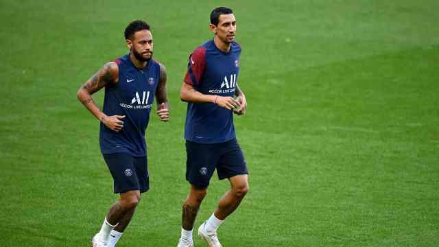法国媒体:内马尔及另外两名巴黎队友感染新冠病毒