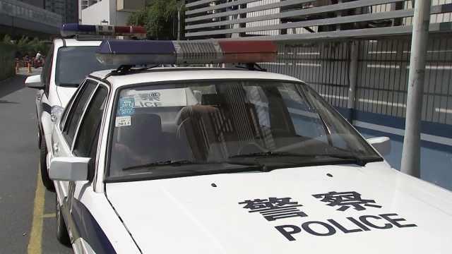 杭州一私家车路遇救护车不让行,医生着急一把掰断反光镜