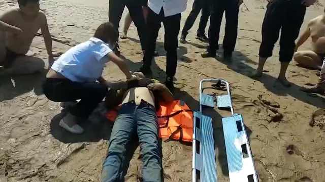 女孩拍视频意外拍到有人跳河,民警沿河岸跑5小时救人