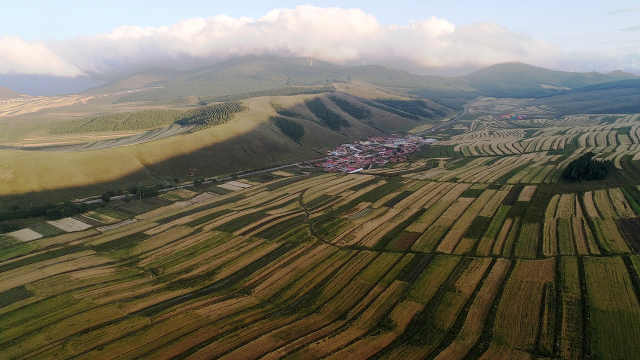 有一种让人震撼的农田:飞阅冬奥小镇河北崇礼美丽的田野