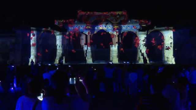武当山举办大型7D光影秀,古老宫殿与科技感融合获游客点赞
