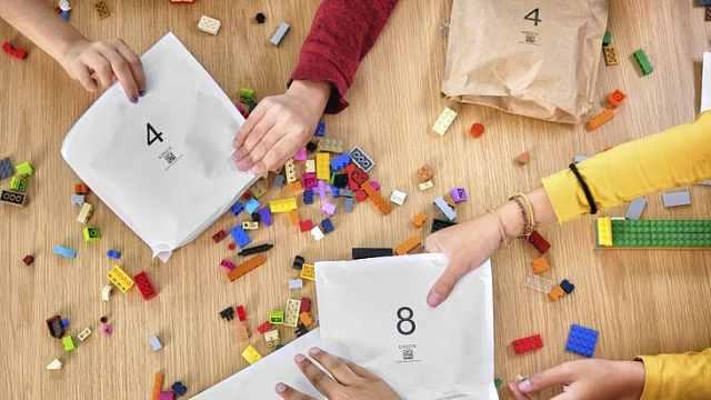 乐高将用纸袋代替塑料包装:减少环境危害,更