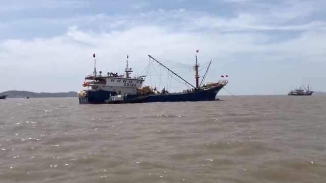 长达4个半月海洋休渔禁捕期结束:港口渔船为开捕做好准备