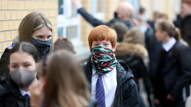 直播:危机重重!英国开学季遭遇疫情再爆发