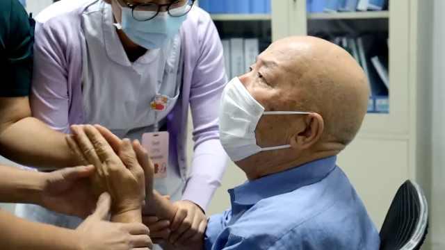 只想看看你们摘口罩的样子!72岁武汉大爷赴沈阳感谢救命恩人