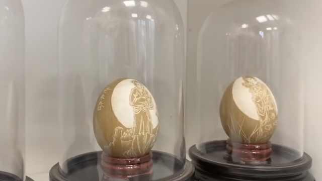 退休老师蛋壳上雕刻金陵十二钗:曾天天吃鸡蛋,遭家人反对