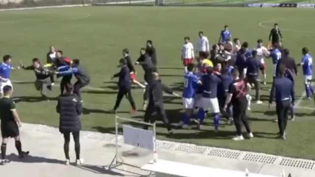 官方通报山西省足协杯赛发生肢体冲突:球员已和解,会做处罚