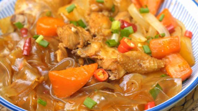 超简单的韩国料理安东炖鸡,味道浓郁,美味更下饭!