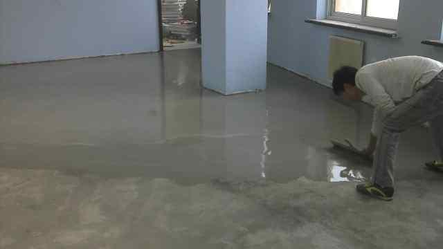 大户人家地面都这样,直接用水泥找平后不贴砖,省事又漂亮!