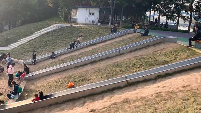 滑滑梯、沙地……鹰城新增网红打卡点
