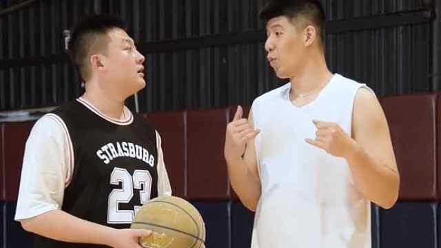 当你教别人打篮球和自己打篮球时