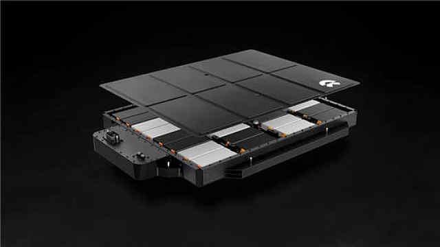 """先说""""不起火""""后说""""不保证"""",蔚来的新电池到底会不会起火?"""