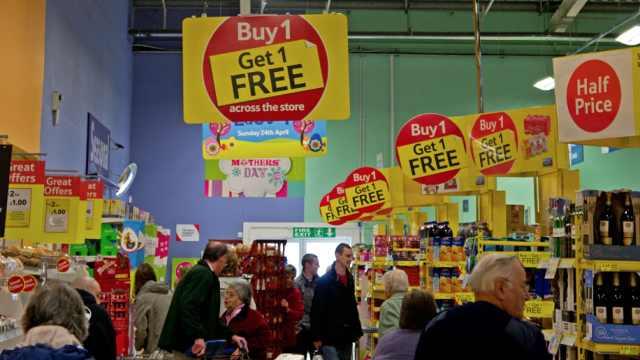 英国将禁止餐厅超市促销不健康食品,成年人65%超重或肥胖