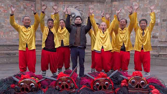 《Hello!衢州》:外国小哥走进龙游,体验硬头狮子