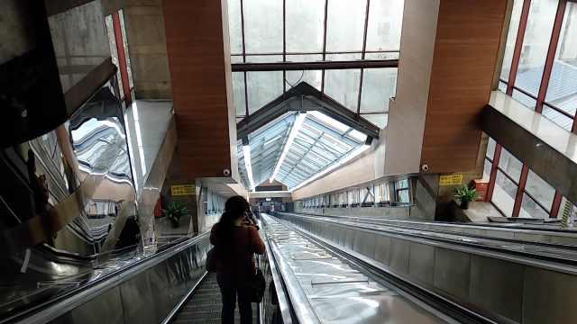 中国攀山第一梯皇冠大扶梯改造后亮相,新增裸眼3D看魔幻重庆