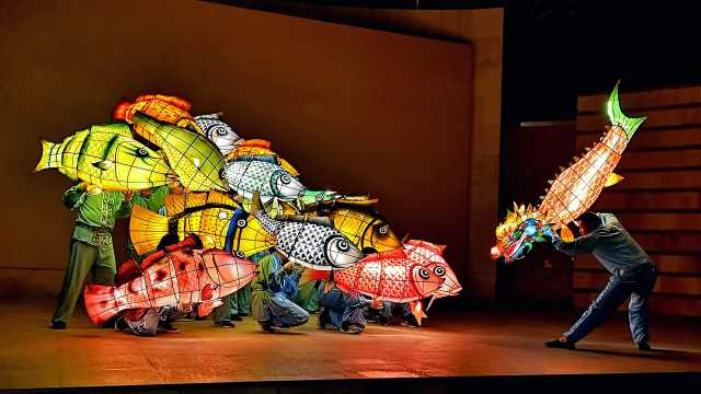有人舞狮有人舞龙,深圳七旬传承人舞鱼50年