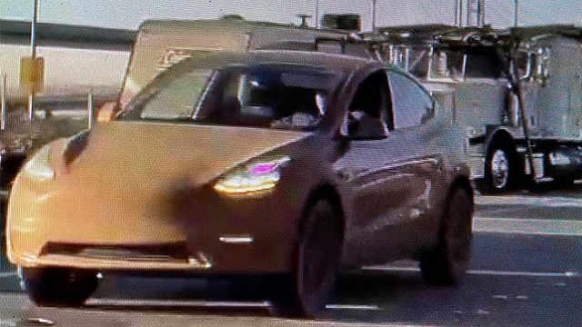 特斯拉Model Y越野版曝光,配专属轮胎,悬架升高