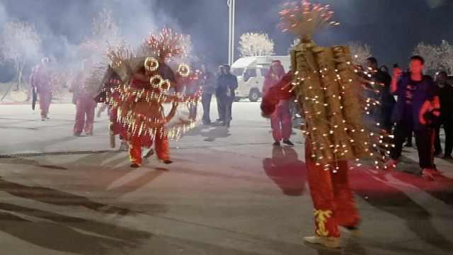 """非遗闹元宵!江西赣州""""香火狮""""连舞三天,村民看完再去打工"""