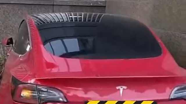 """""""没完没了""""的Model3,撞楼疑似再失控!"""