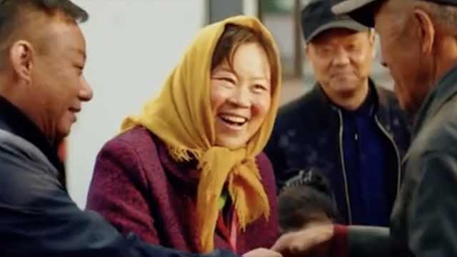 《草原上的萨日朗》:你看她笑得像不像萨日朗?