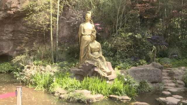 苏轼初恋的地方在这里,东坡肘子竟是为了治他写字无力
