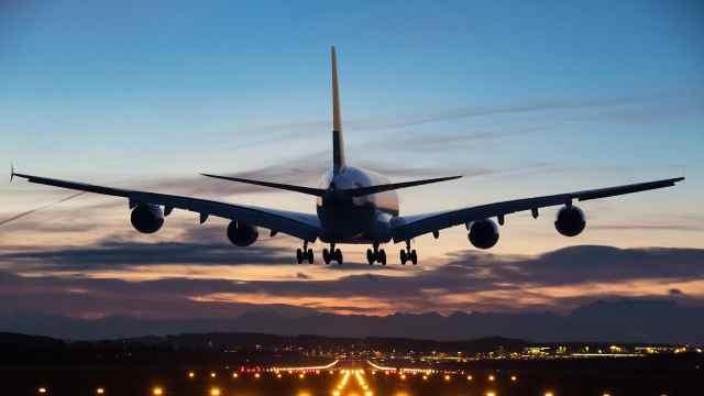 航班取消换不到票,还算消费者违约,随心飞为啥变成闹心飞?