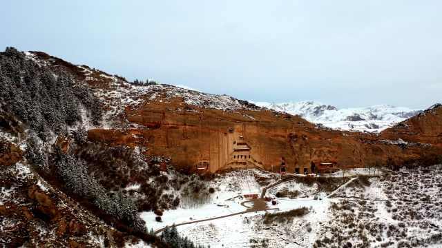 甘肃马蹄寺4月飘雪,不止有冰雪世界还有壮美河山