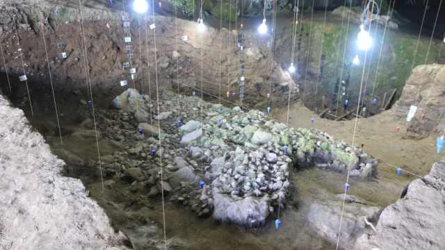 探秘4万年洞穴:南方最早墓葬啥样?祖先采集狩猎常是左撇子?