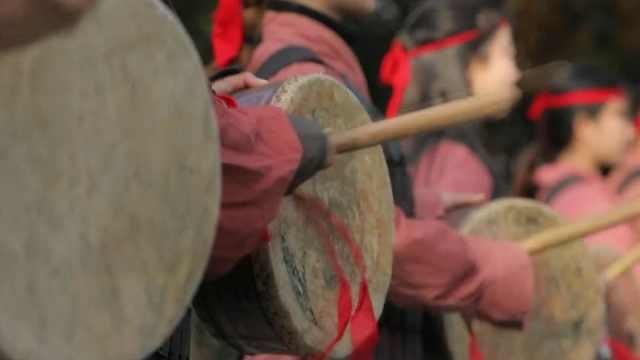 这个形状似洗脚盆子的鼓,却在赤壁大战中发挥了重要作用