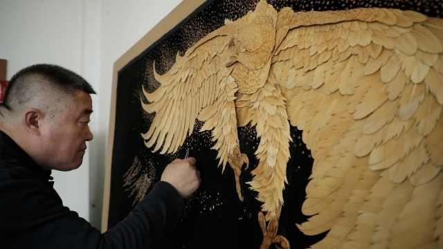 芦苇画也能做出3D效果!一幅浮雕苇画制作最快要一年