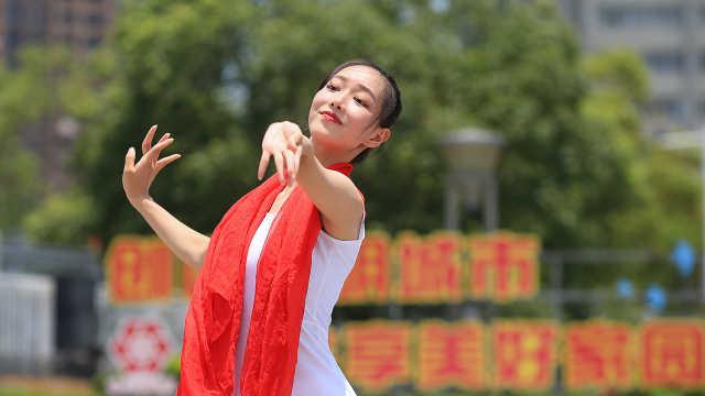 南昌:同音一起弹 献礼建党百年